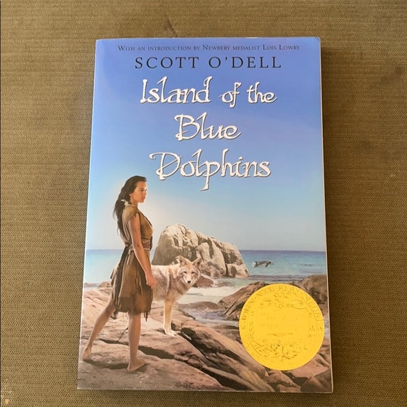 Island of the Blue Dolphins Book NEW